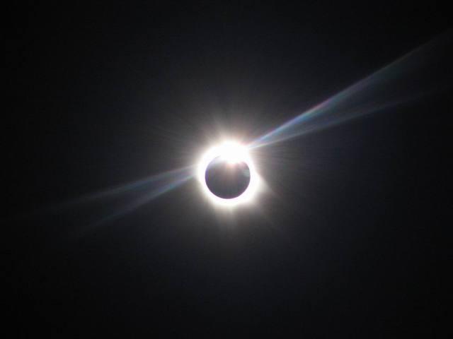solar-eclipce-1400510-640x480.jpg