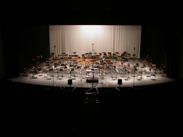 stage-for-symphony-orchestra-1528192-640x480.jpg