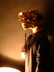 daniel-and-the-mask-1542885-639x852