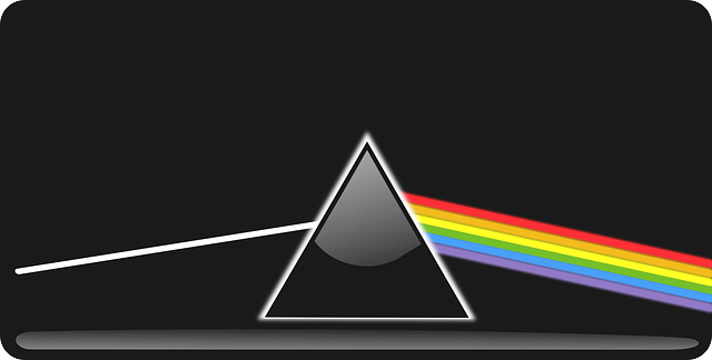 refraction-150853_640.png