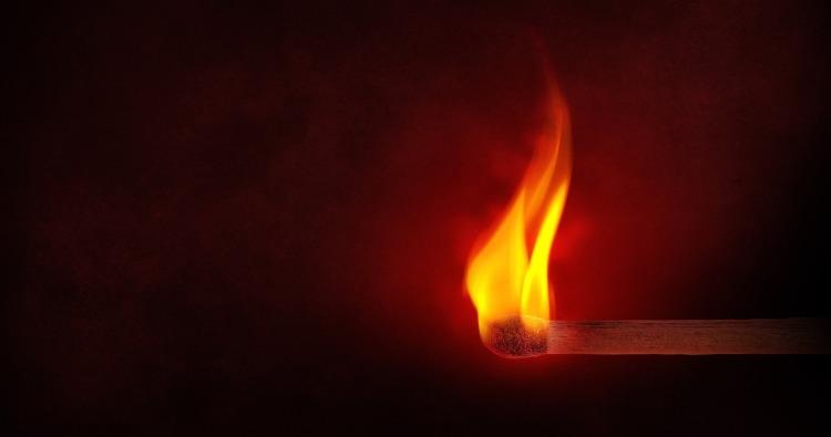 flame-1363003_1280.jpg
